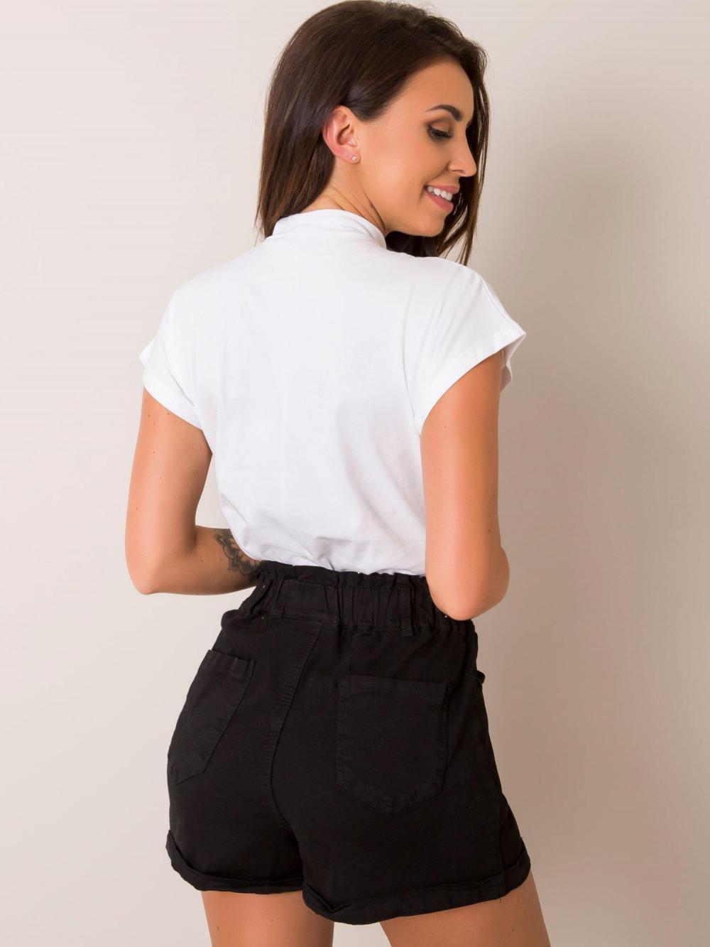 Biały t-shirt ze stójką Bella 2