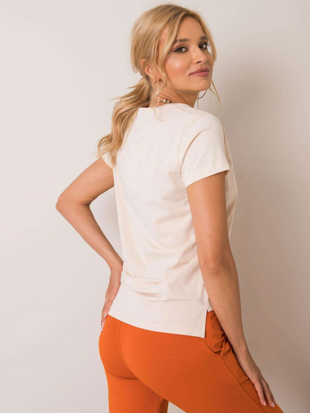 Beżowy pro-ekologiczny t-shirt V-Neck Soft 3