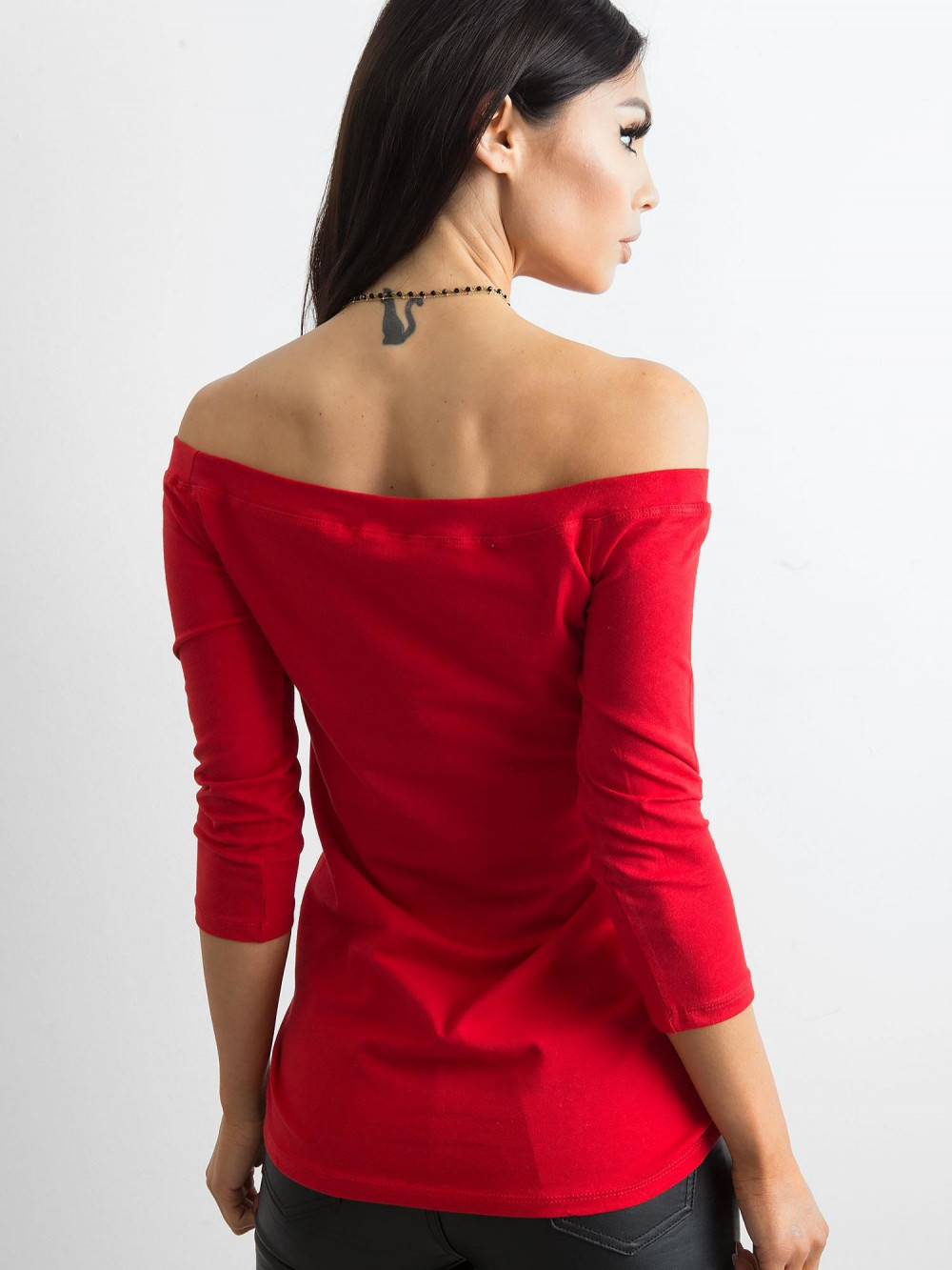 Czerwona bluzka off-shoulder Vienne 4