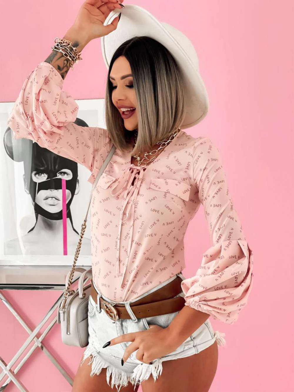 Różowa bluzka z printem z bufiastymi rękawami Pisces 4