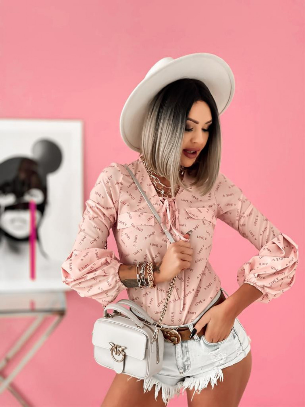 Różowa bluzka z printem z bufiastymi rękawami Pisces 5