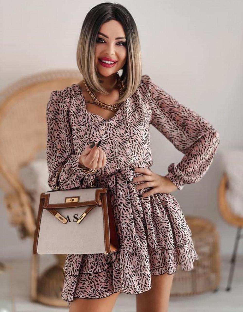Łososiowa sukienka szyfonowa rozkloszowana Virgo 1