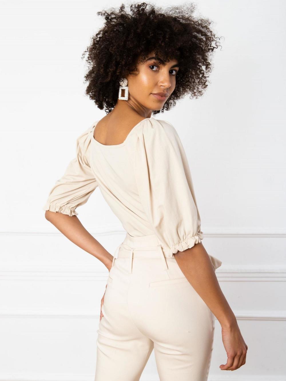Beżowa bluzka z bufiastymi rękawami Gavlyn 4