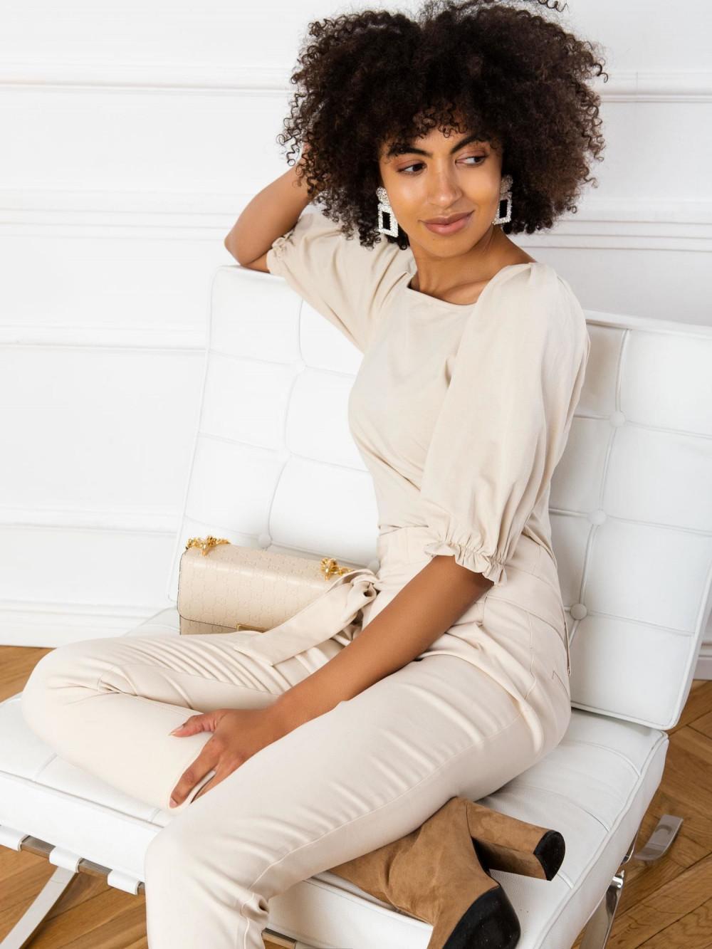 Beżowa bluzka z bufiastymi rękawami Gavlyn 1
