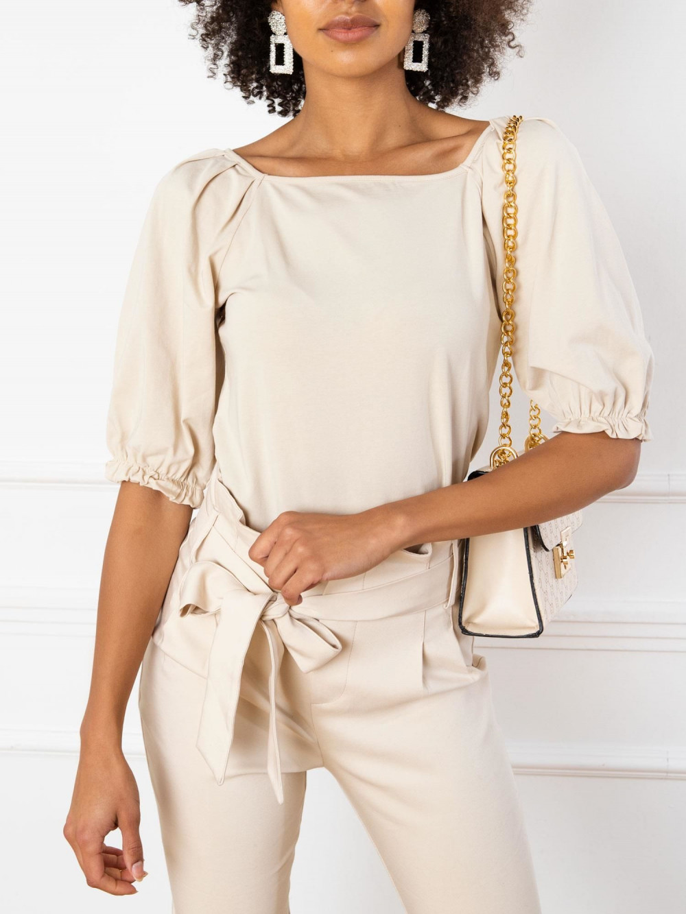 Beżowa bluzka z bufiastymi rękawami Gavlyn 2