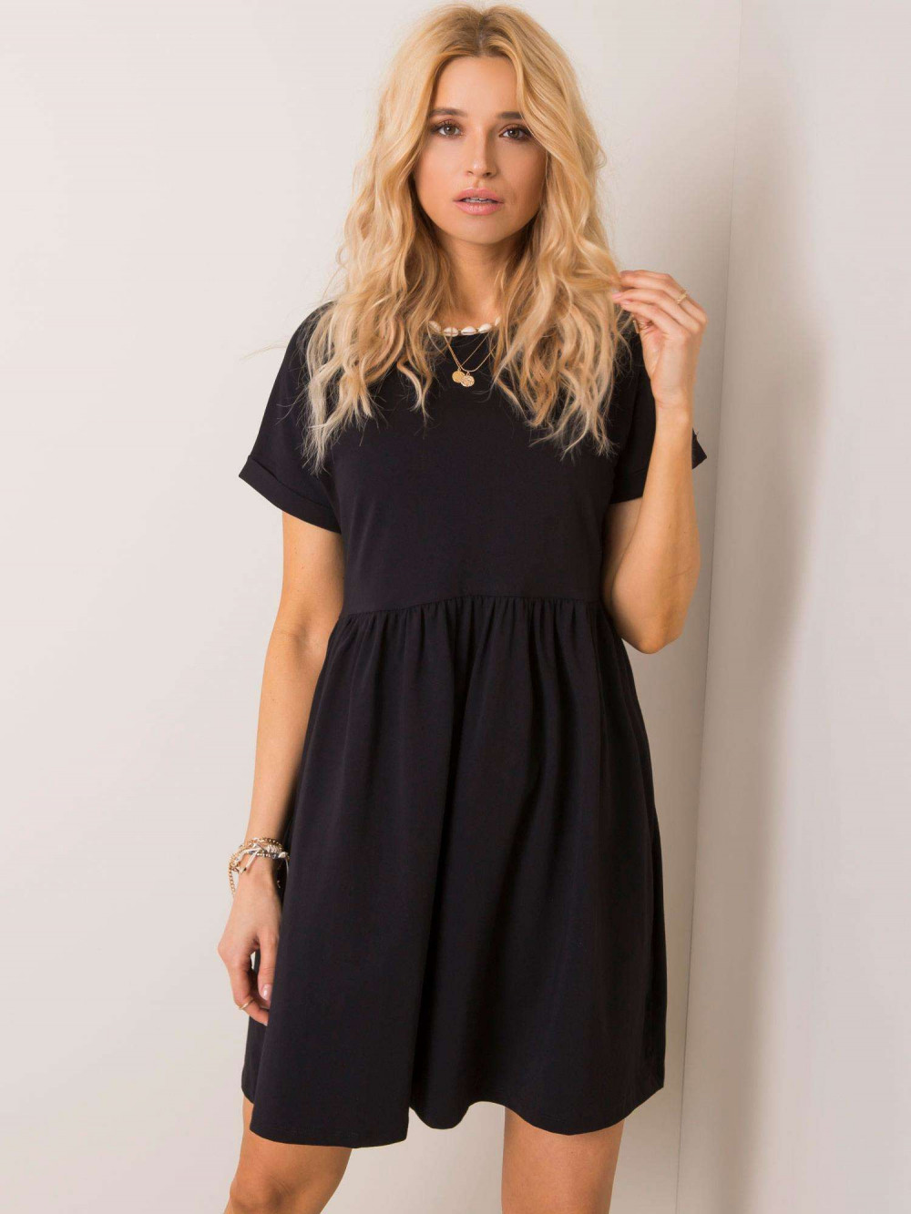 Czarna sukienka rozkloszowana O-Neck Peoria 1