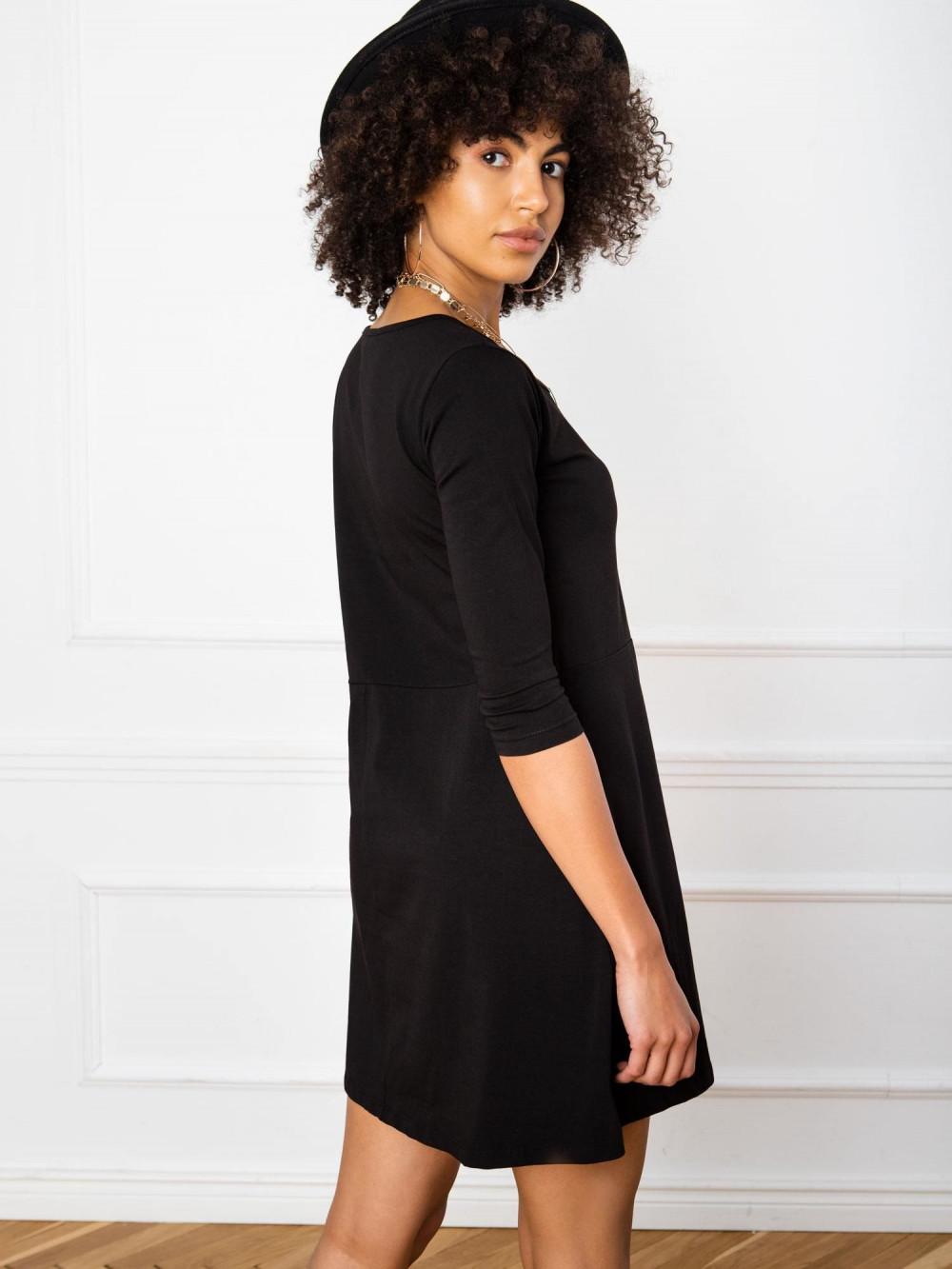 Czarna sukienka rozkloszowana z ozdobnym dekoltem Phoenix 3