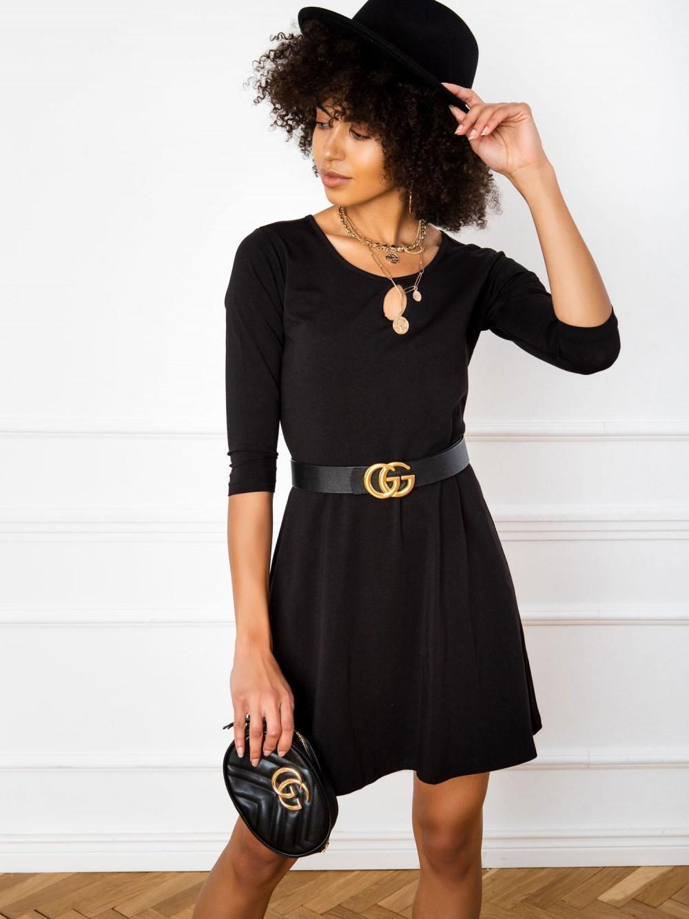 Czarna sukienka rozkloszowana z ozdobnym dekoltem Phoenix 1