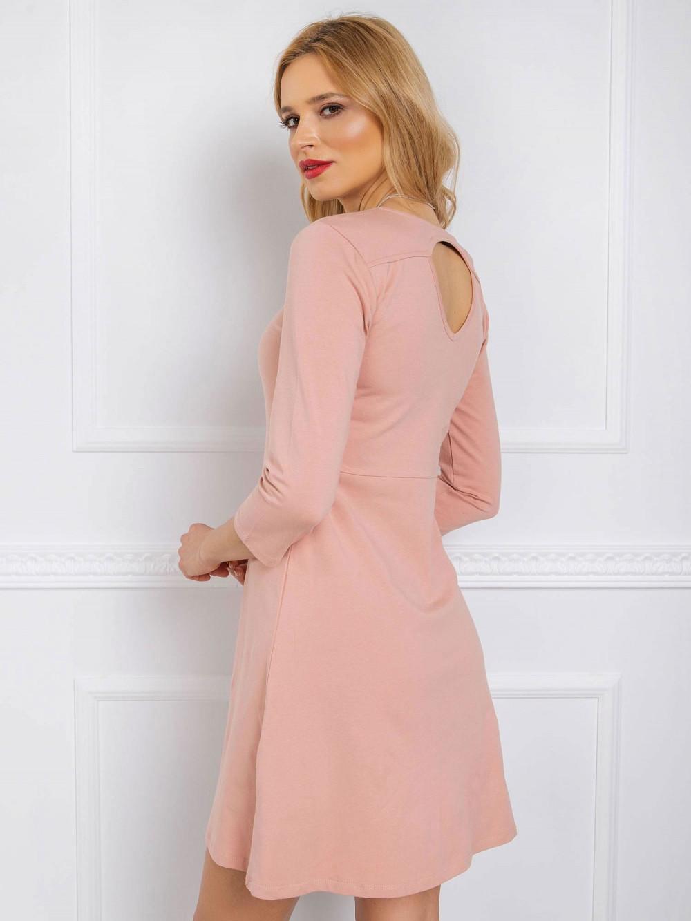 Różowa sukienka rozkloszowana z wycięciem na plecach Edison 2