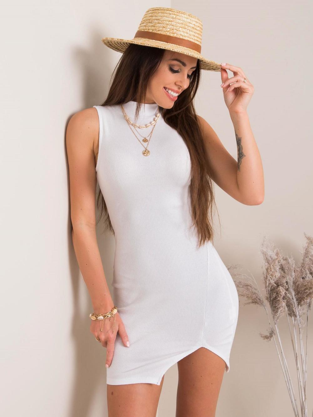Biała sukienka z wycięciem na nodze Downey 1
