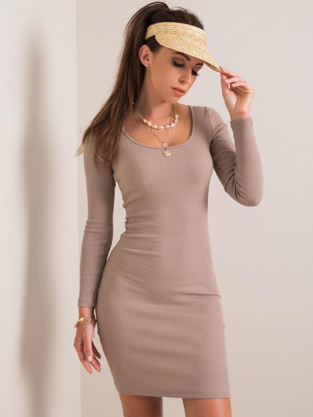 Ciemnobeżowa dopasowana sukienka O-Neck Acera 1