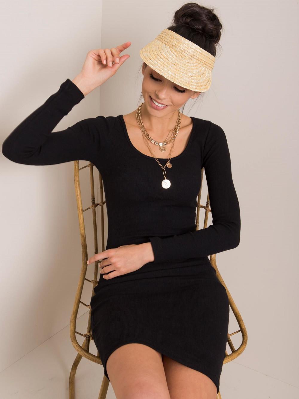 Czarna dopasowana sukienka O-Neck Acera 2