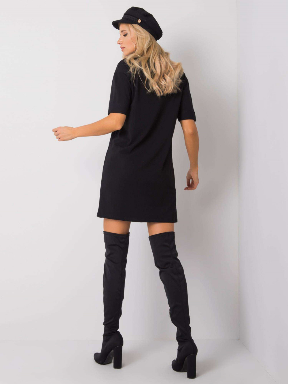 Czarna sukienka t-shirt Celano 5