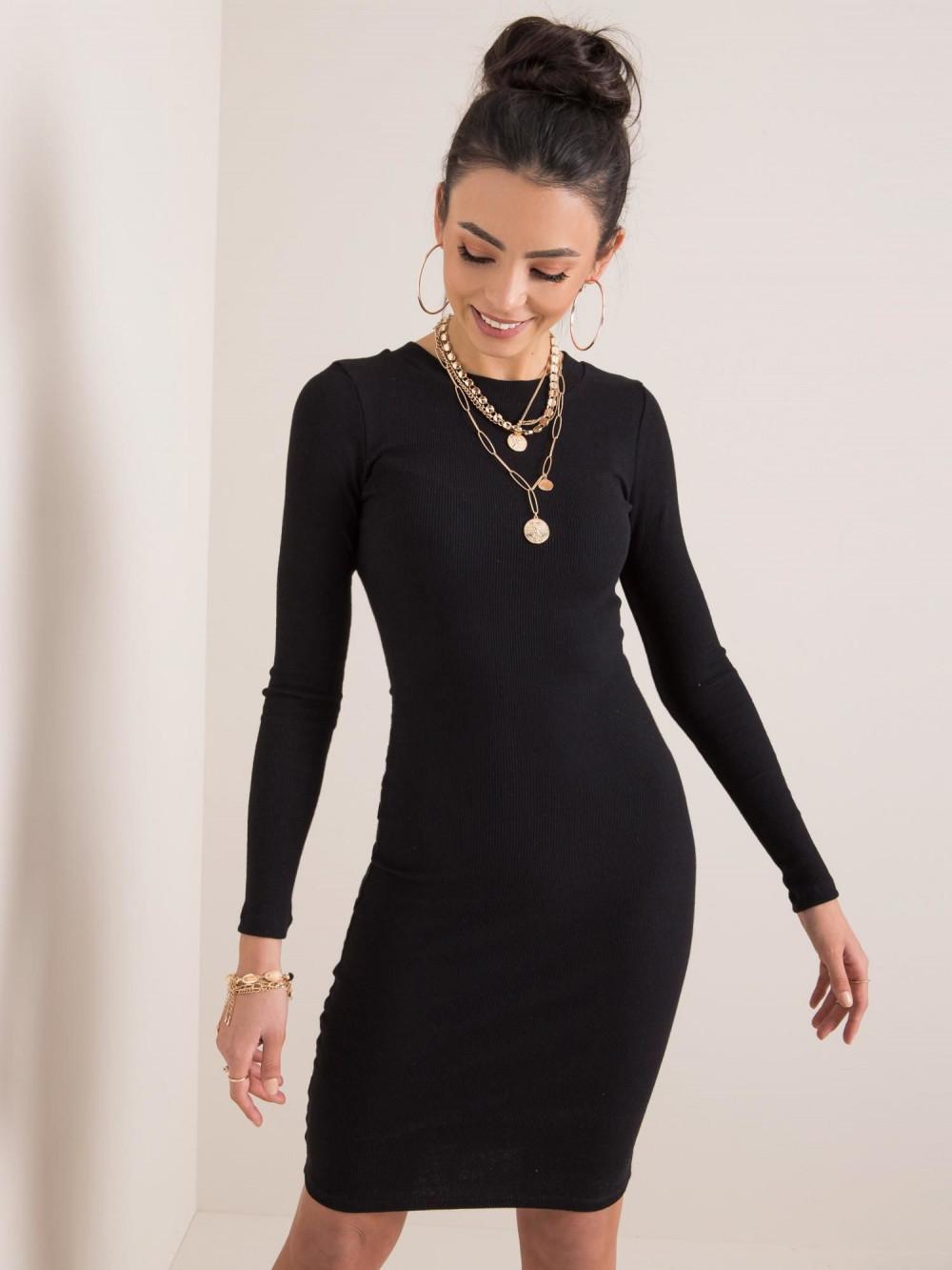 Czarna dopasowana sukienka O-Neck Lisburn 1