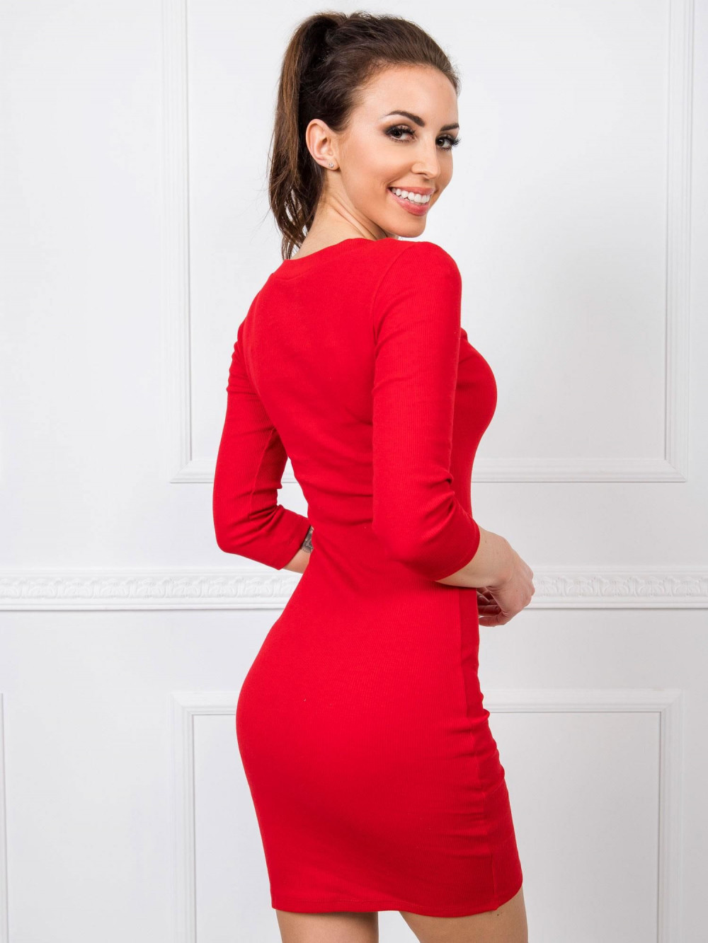 Czerwona dopasowana sukienka V-Neck Paisley 2