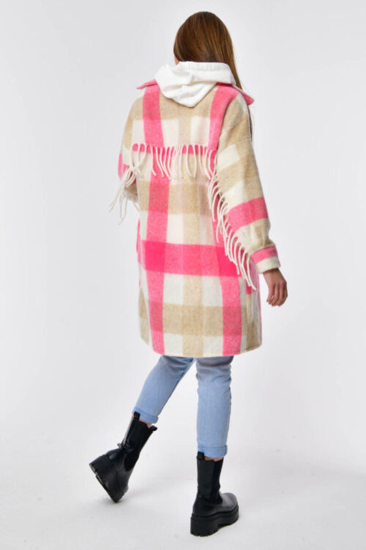 Różowo-beżowa koszula płaszczyk z frędzlami Louise 7
