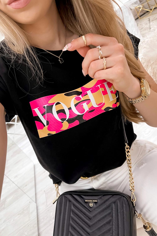 Czarny t-shirt z nadrukiem Vogue 4