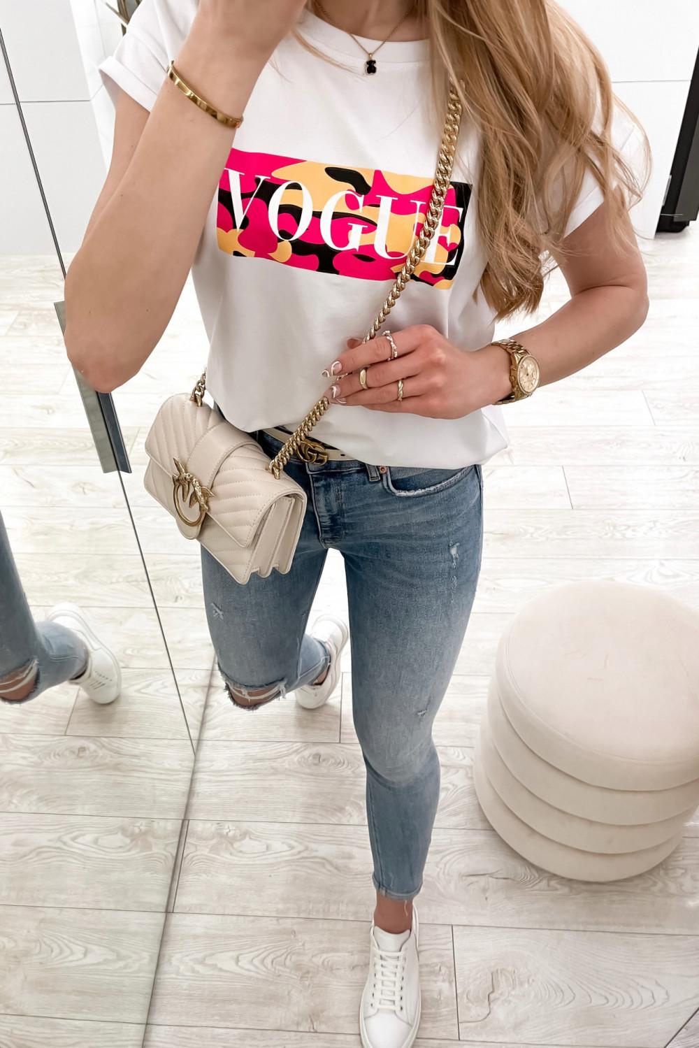 Biały t-shirt z nadrukiem Vogue 3
