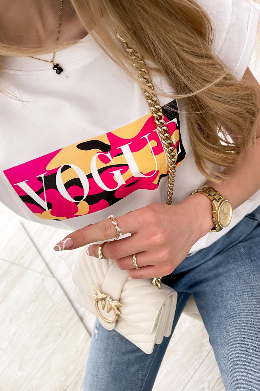 Biały t-shirt z nadrukiem Vogue 4