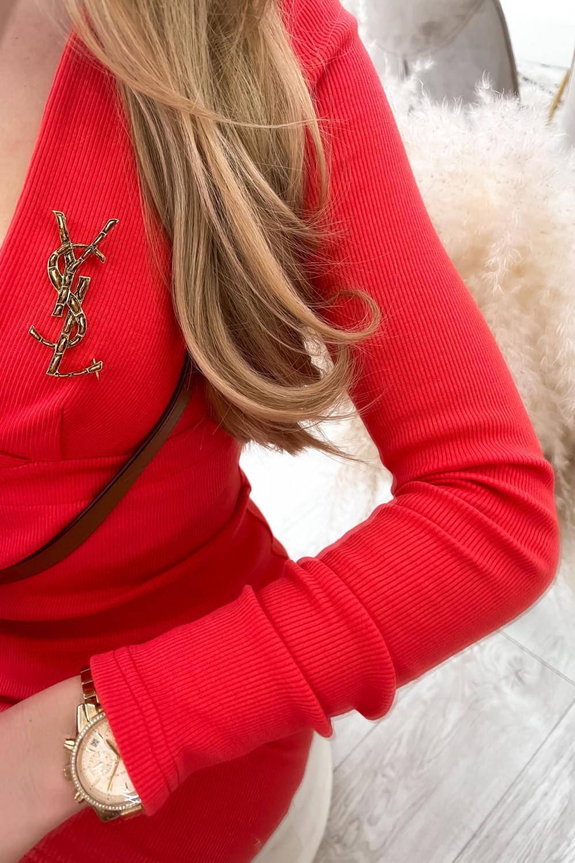 Czerwona dopasowana sukienka prążkowana Skins 3