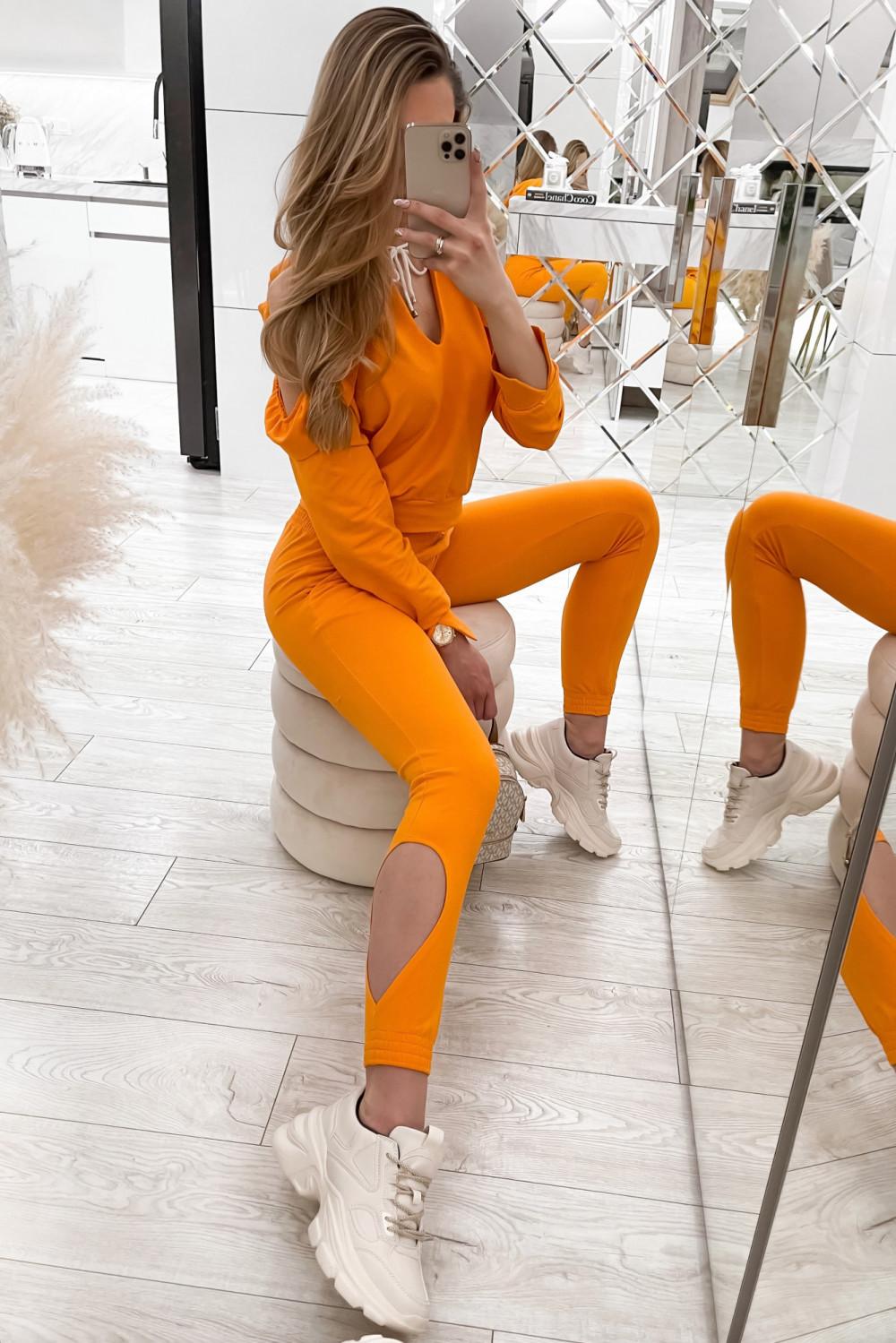 Pomarańczowy komplet dresowy z wycięciami Savage 2