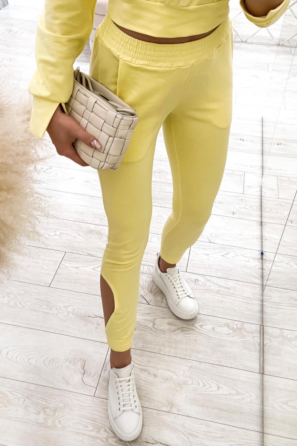Żółty komplet dresowy z wycięciami Savage 5