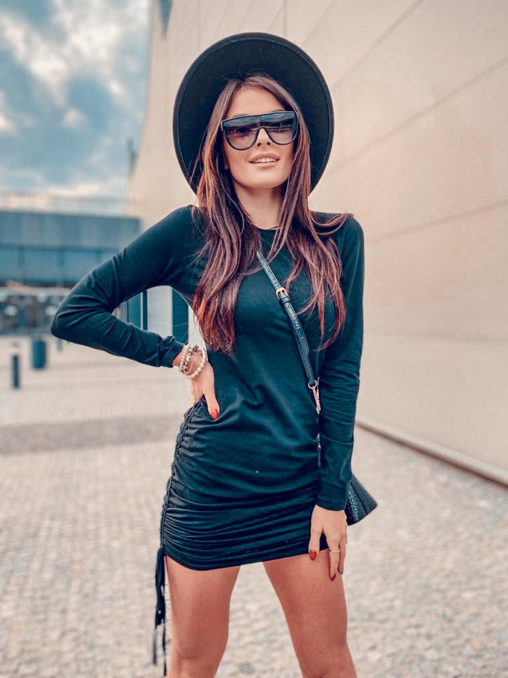 Czarna dopasowana sukienka z wiązaniem Marry 6