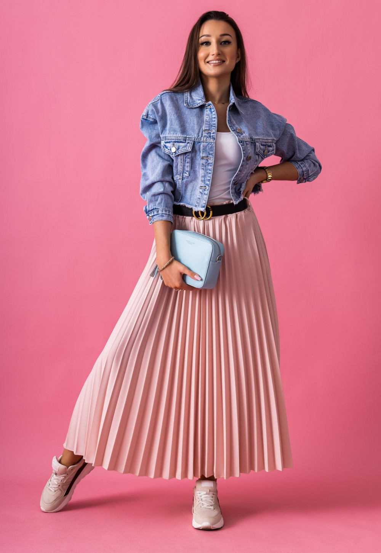 Różowa plisowana spódnica midi Kendall 2