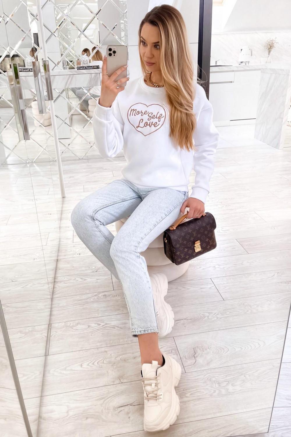 Biała bluza z haftem Self Love 3