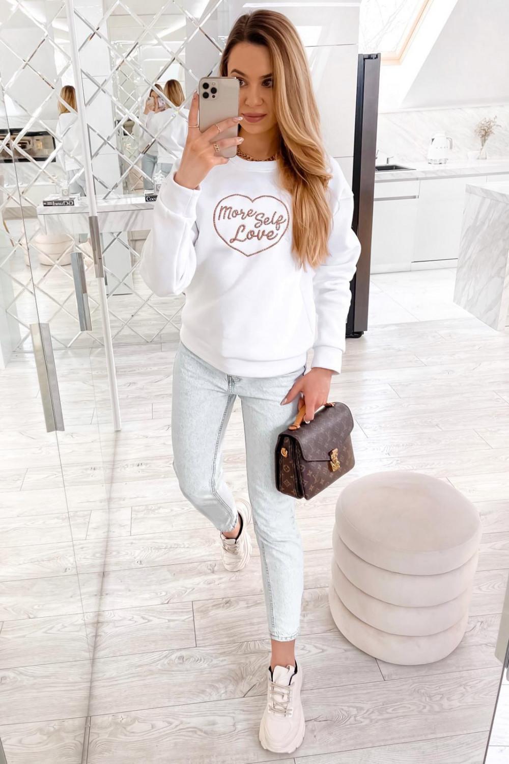 Biała bluza z haftem Self Love 4