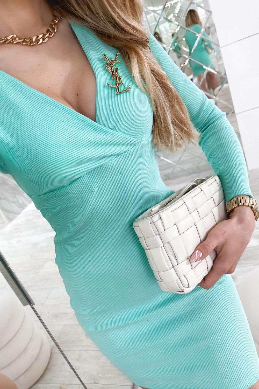 Miętowa dopasowana sukienka prążkowana Skins 4