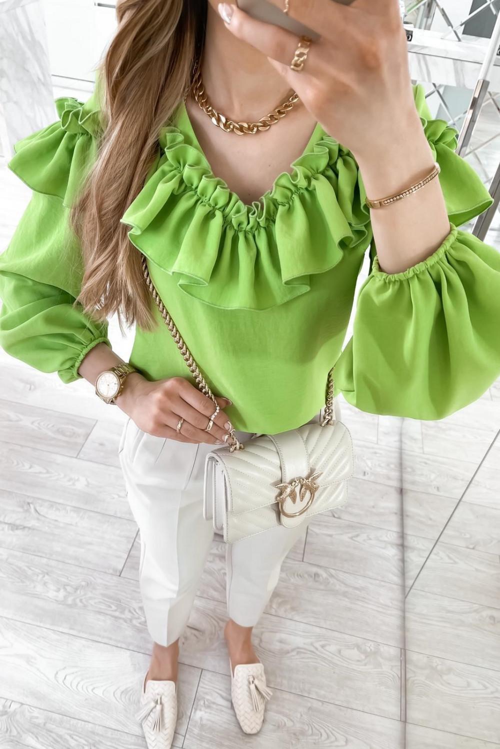 Zielona bluzka hiszpanka z falbankami Noami 4