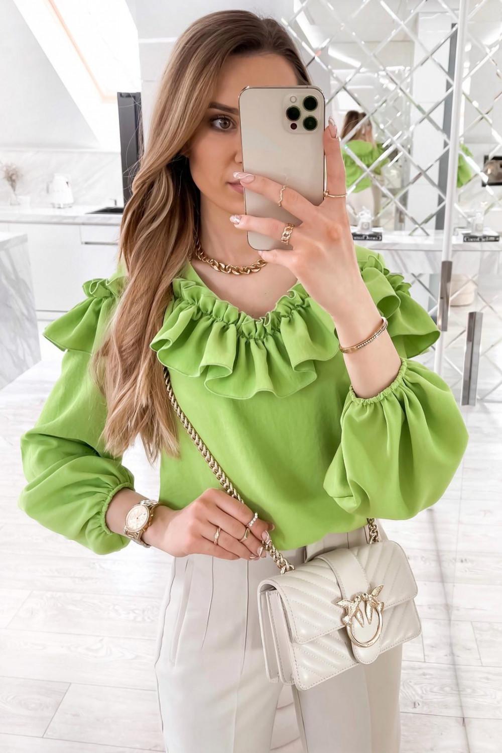 Zielona bluzka hiszpanka z falbankami Noami 1