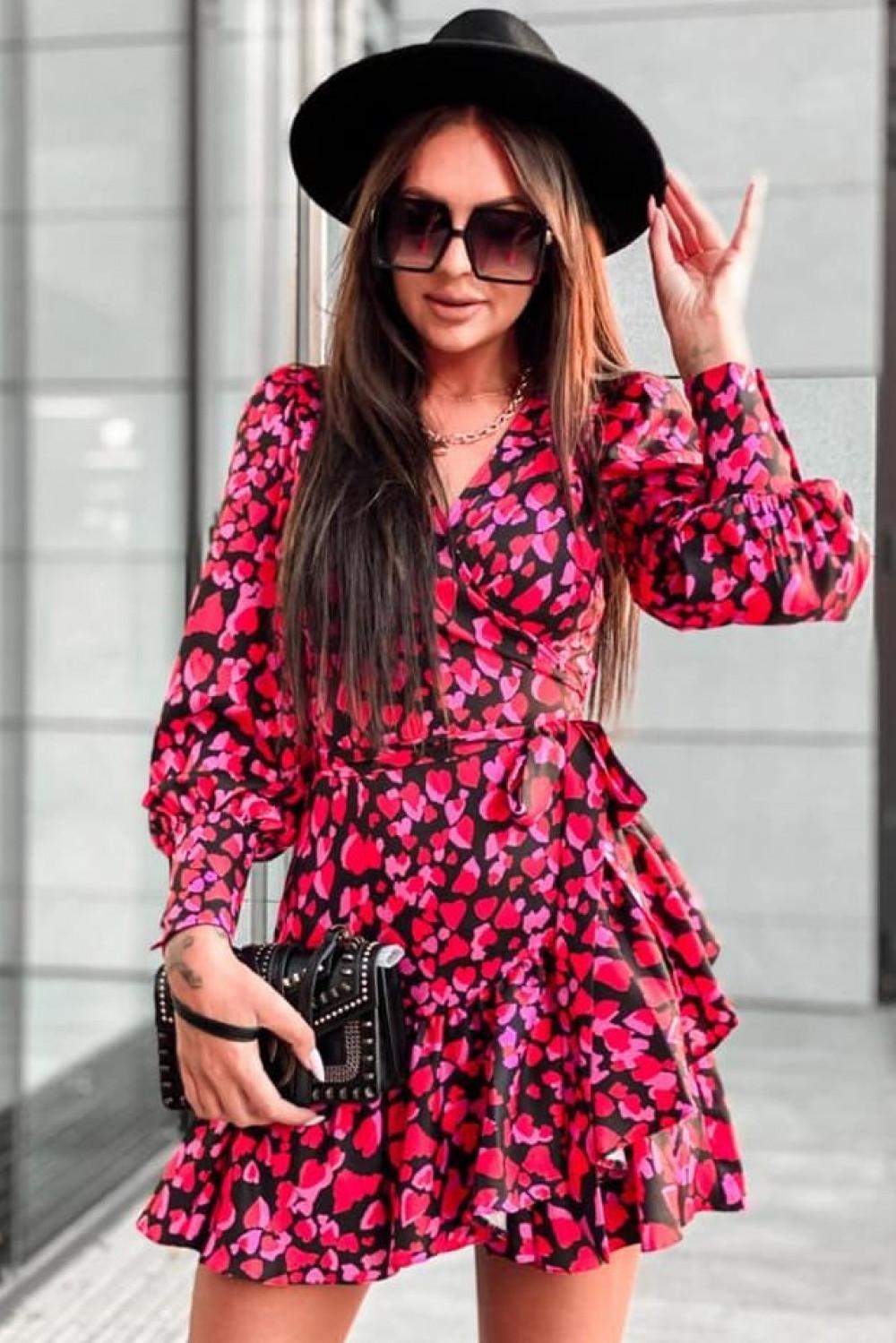 Różowa sukienka rozkloszowana w serca Lovely 3