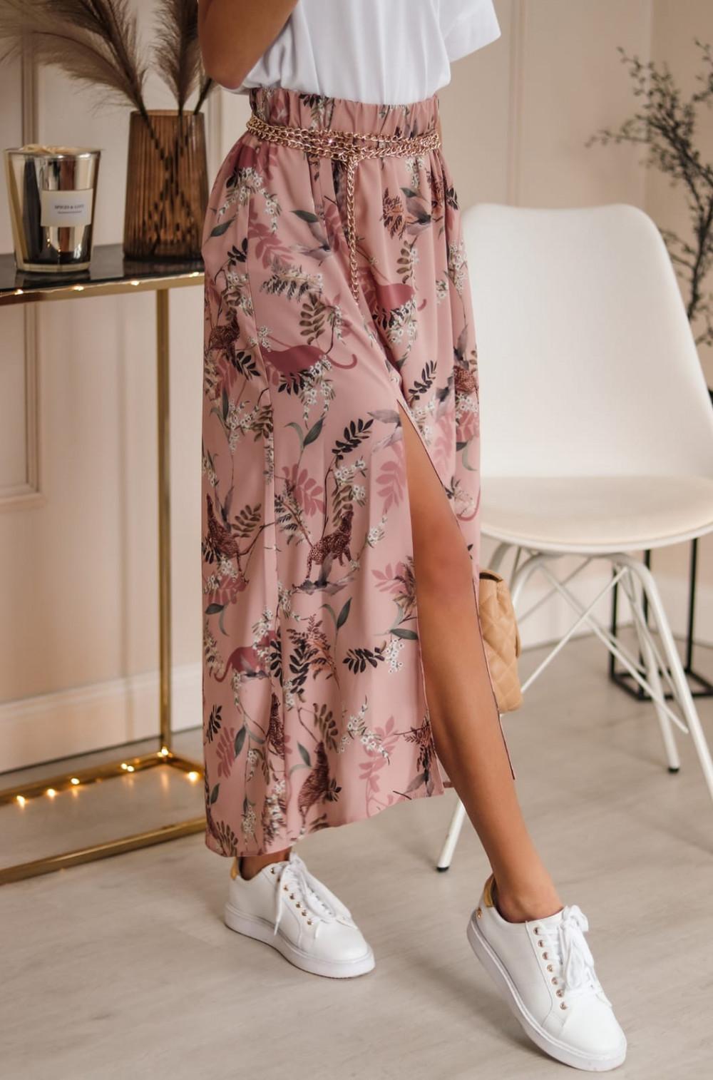 Różowa spódniczka z rozcięciem midi w kwiaty Sammy 2