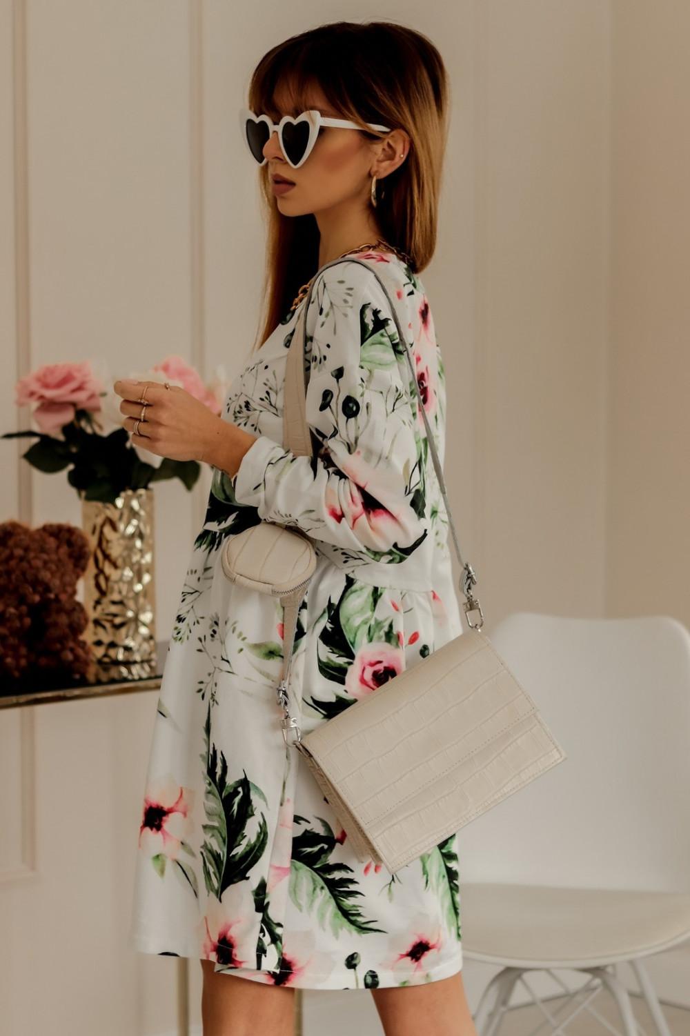 Biała rozkloszowana sukienka w kwiaty Delicante 1