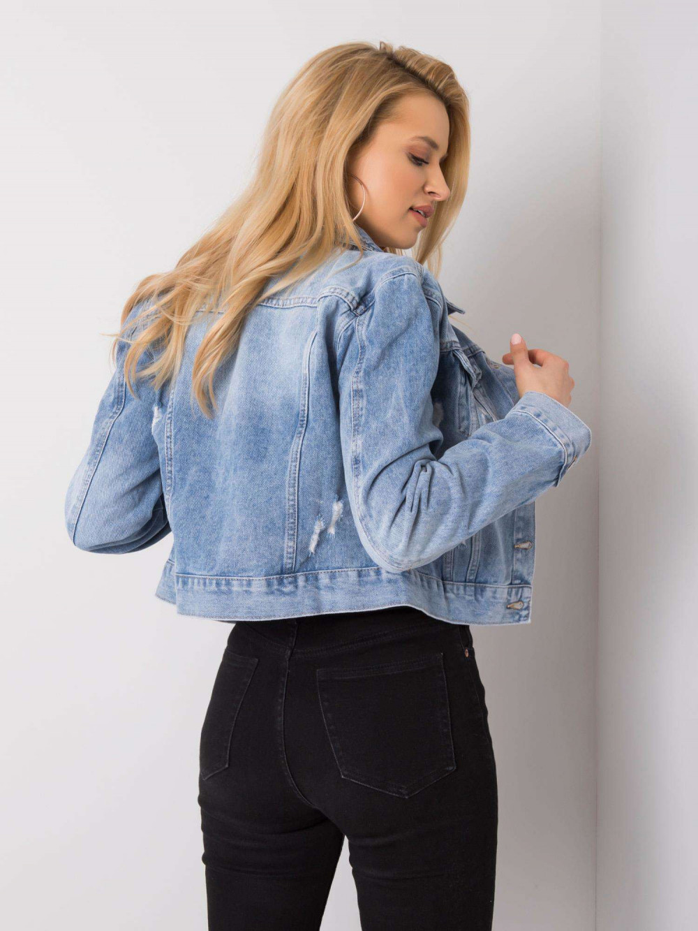 Niebieska krótka kurtka jeansowa z przetarciami Noami 5