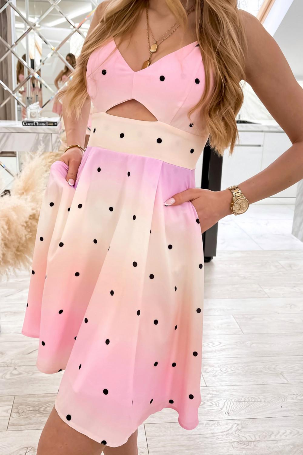Jasnoróżowa sukienka pastelowa na ramiączkach Sofia 2