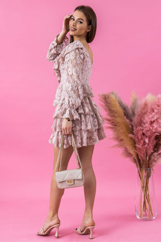 Jasnoróżowa sukienka koronkowa rozkloszowana z falbankami Novia 3