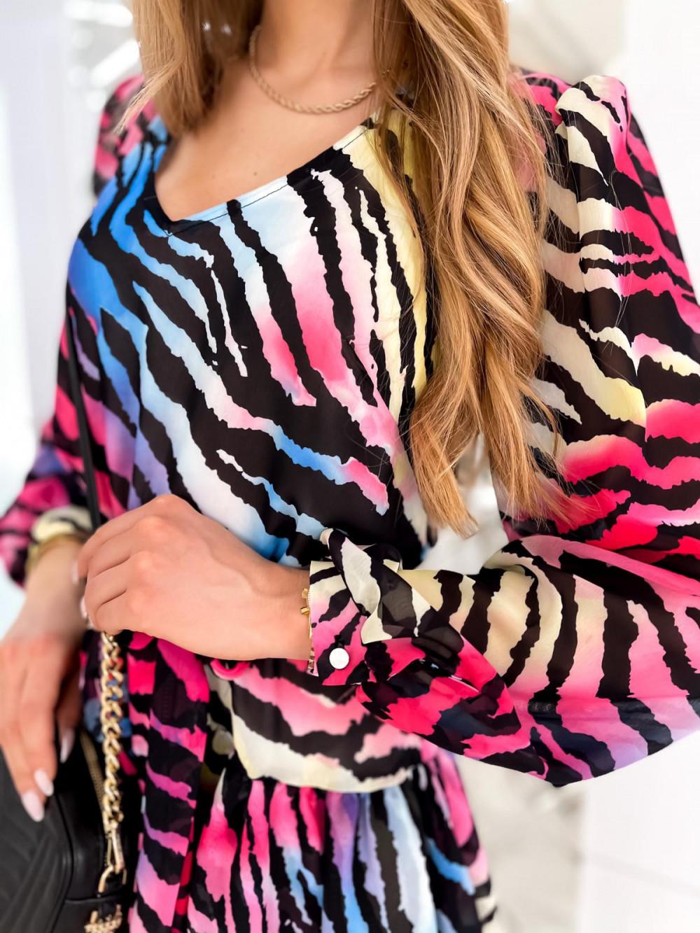 Kolorowa zeberkowa sukienka szyfonowa rozkloszowana Virgo 7