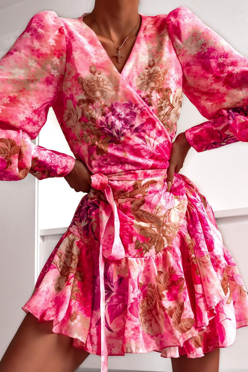 Różowa sukienka szyfonowa w kwiaty Flores 4