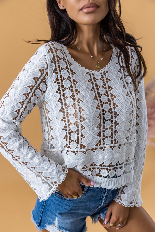 Biały ażurowy sweterek boho z luźnym rękawem Martha 3