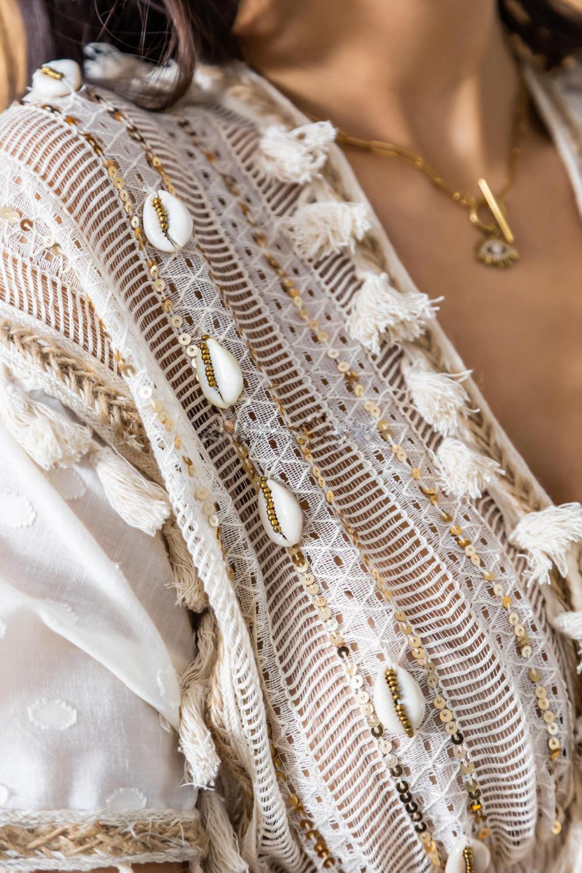 Beżowa sukienka rozkloszowana boho z haftem Silvia 3