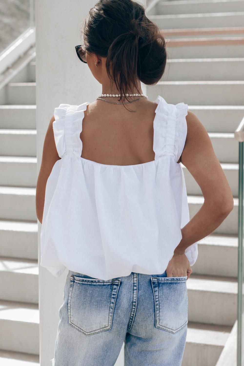 Biały top z falbankami Carmen 4