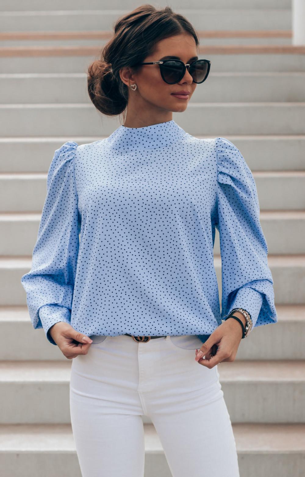 Niebieska bluzka w kropki z bufiastymi rękawami Lorena 1