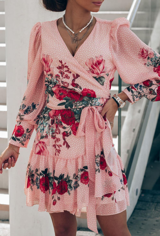 Pudrowo różowa sukienka szyfonowa w kwiaty Flores 2