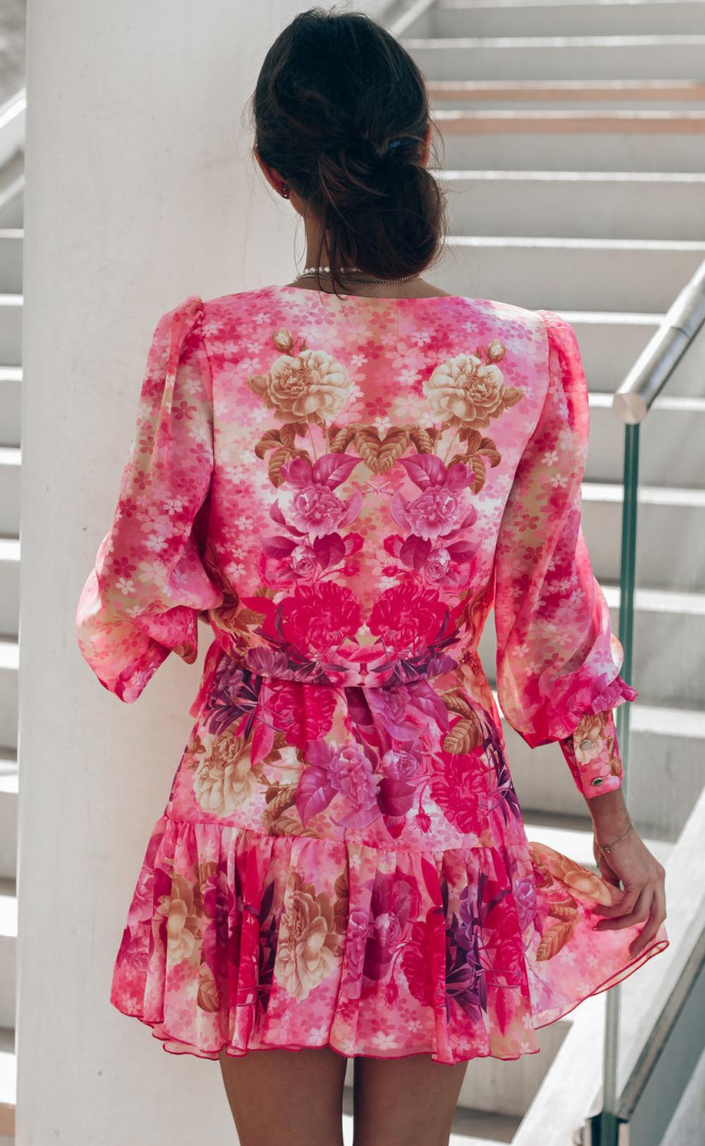 Różowa sukienka szyfonowa w kwiaty Flores 3