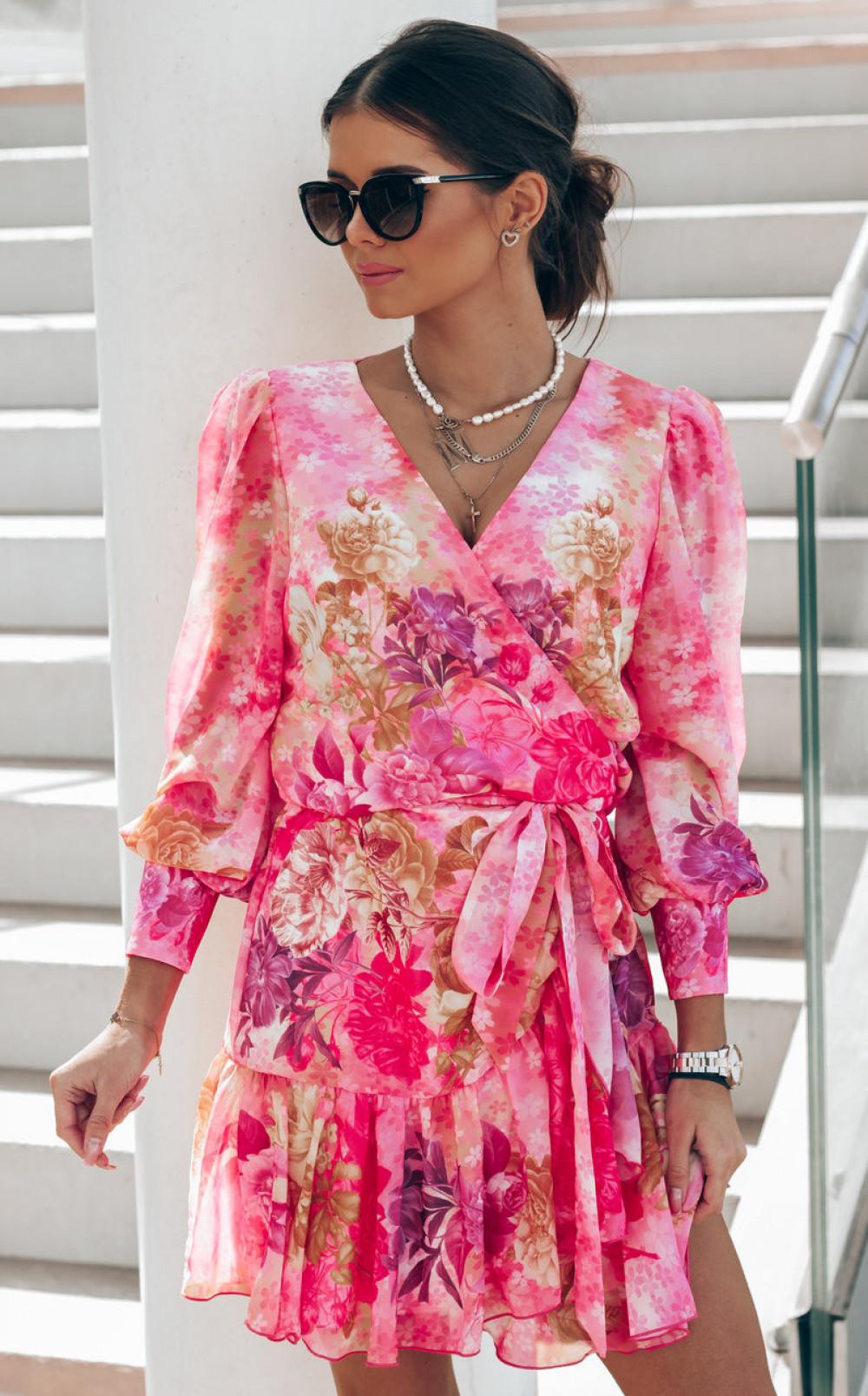 Różowa sukienka szyfonowa w kwiaty Flores 2