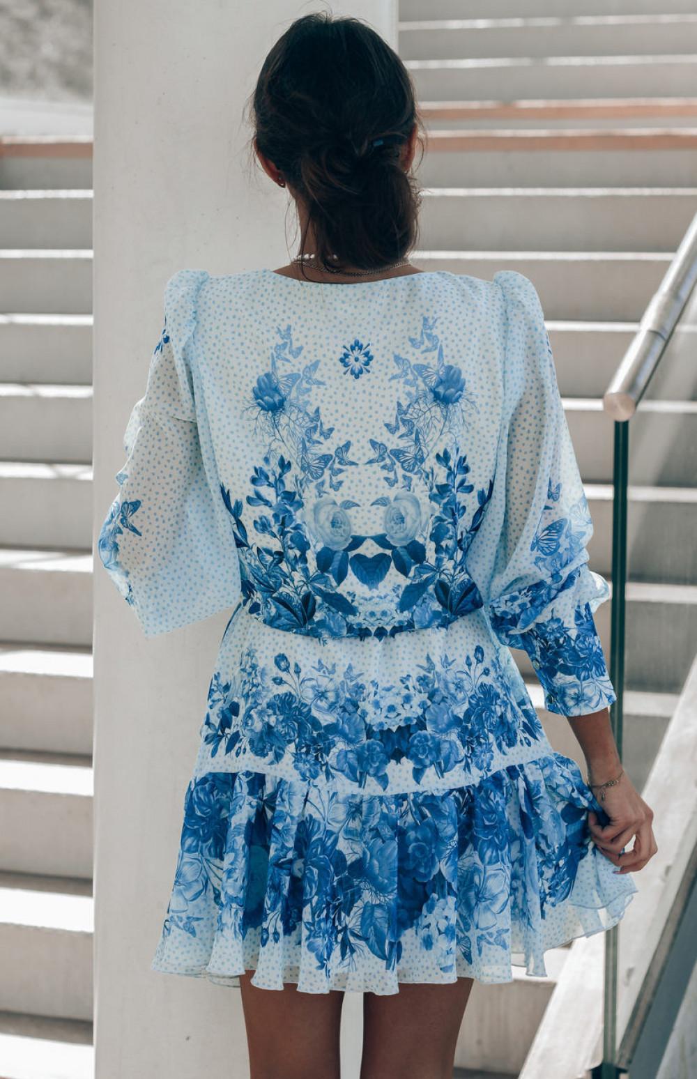 Biało-niebieska sukienka szyfonowa w kwiaty Flores 5