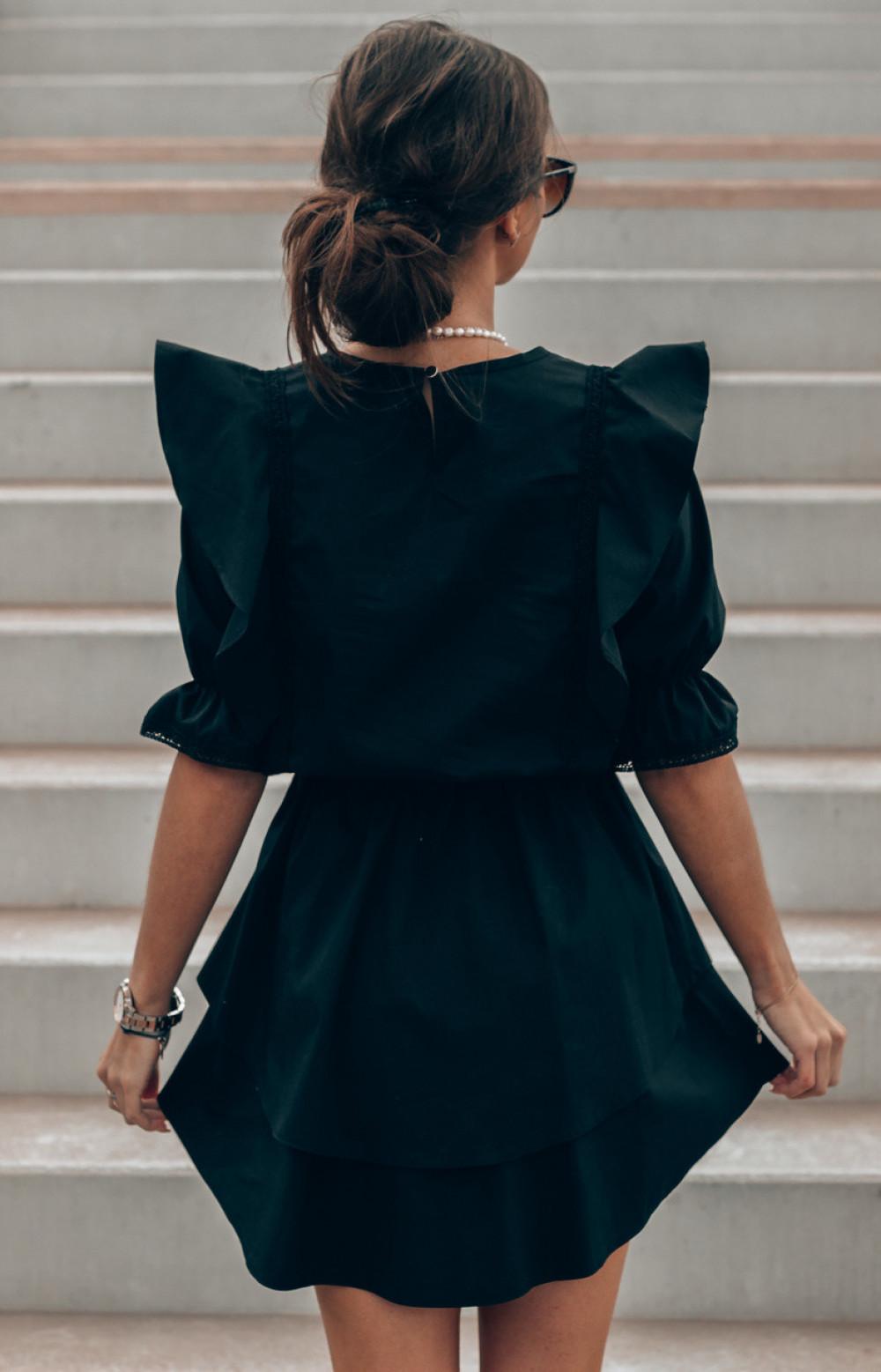 Czarna bawełniana sukienka rozkloszowana z haftem Noelia 3
